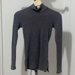 Aritzia Only Cropped Turtle Neck